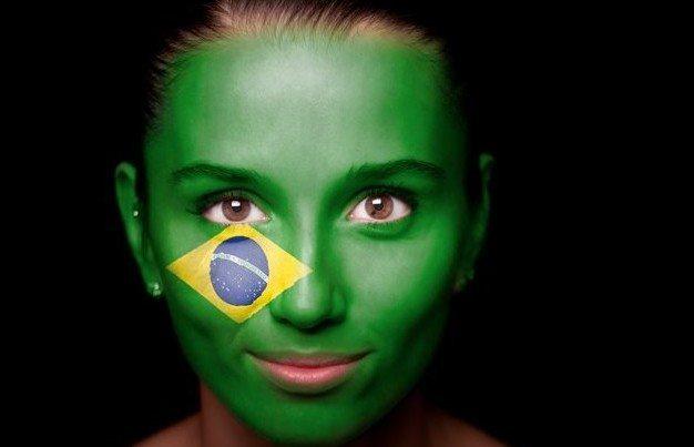 бразильская домина на лице