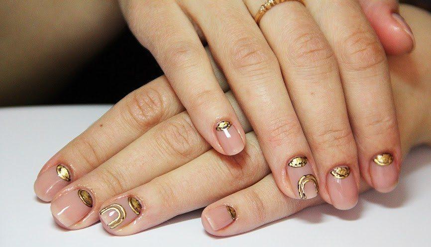 Литье на ногтях фото