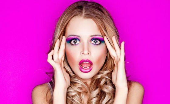 фото страпонессы с вульгарным макияжем