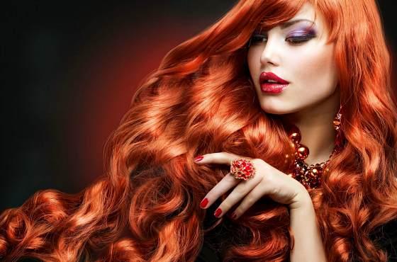 Рыжеволосая красавица
