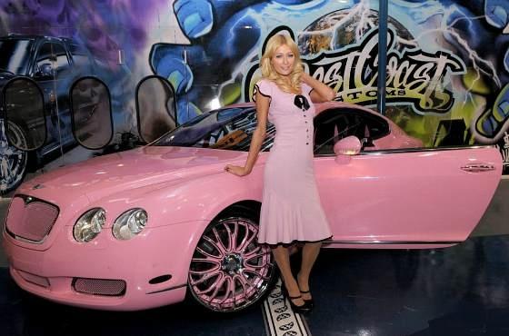 гламурная звезда Paris Hilton