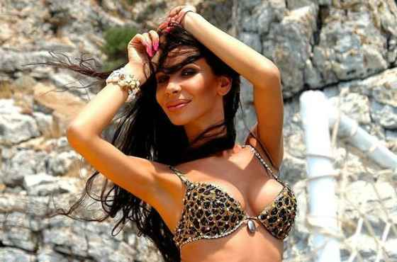 erika-kisheva-v-porno-video-porno-krossdressing-zhestko